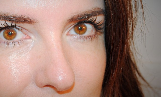 nyx-doll-eye-mascara-review-2
