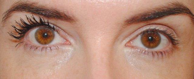nyx-doll-eye-mascara-review-before-after-photo