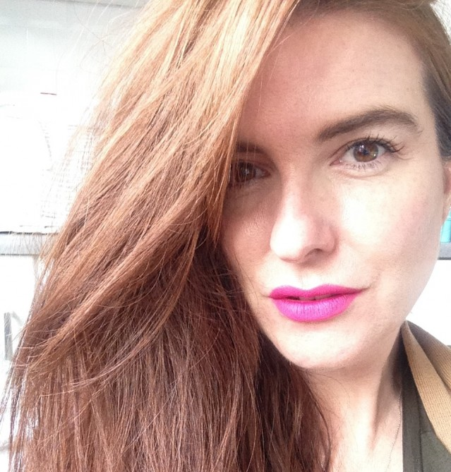 tom-ford-lip-color-matte-electric-pink-swatch-2