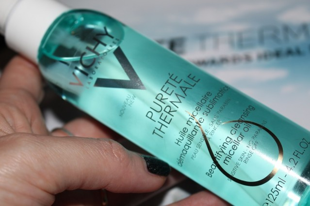 vichy-purete-thermale-cleansing-micellar-oil-review-2