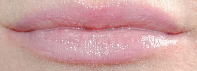 barry-m-lip-boss-high-powered-lip-gloss-review-swatch-let's-touch-base