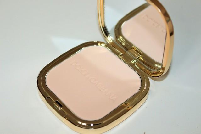 dolce-and-gabbana-summer-shine-glow-illuminating-powder-luna-review