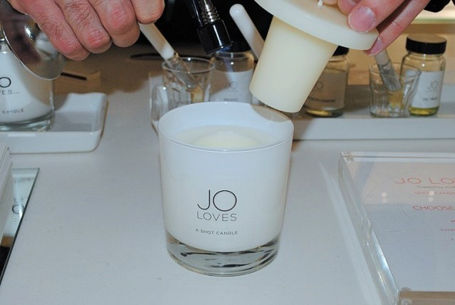 jo-loves-shot-candle-review-4