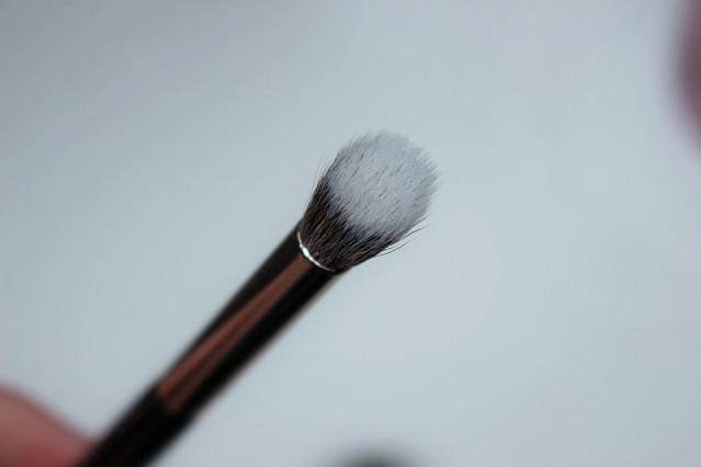 look-good-feel-better-makeup-brushes-angled-blending