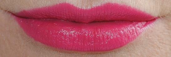 mac-is-beauty-lipstick-diva-ish-swatch-2