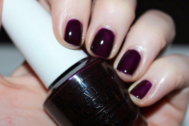 opi-color-paints-swatch-purple-perspective