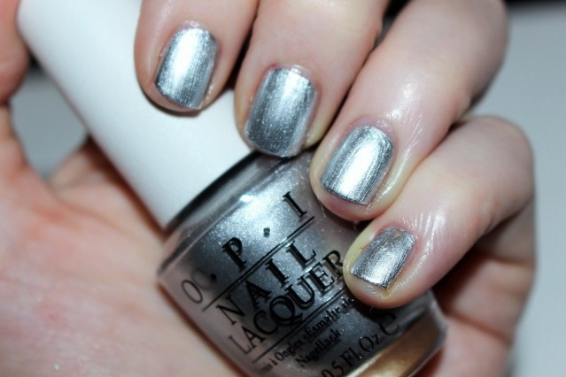 opi-color-paints-swatch-silver-canvas-base-coat
