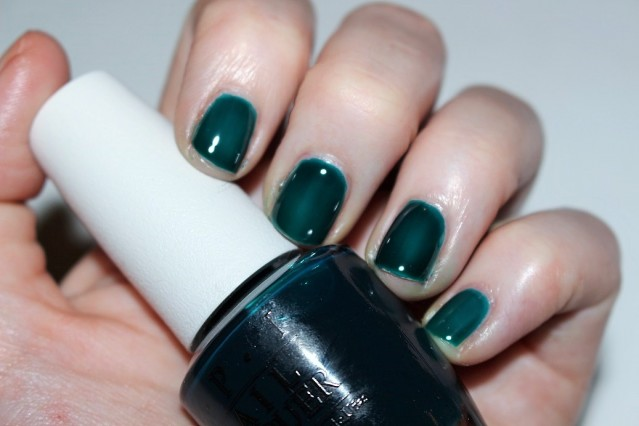 opi-color-paints-swatch-turquoise-aesthetic