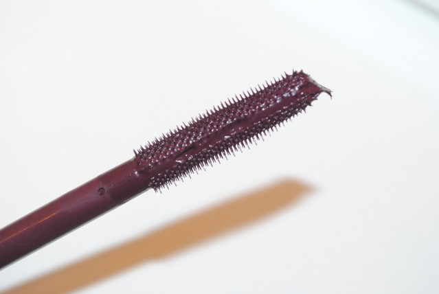 clinique-chubby-lash-fattening-mascara-review-brush