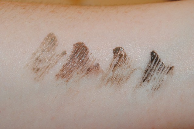 clinique-just-browsing-brush-on-styling-mousse-swatches