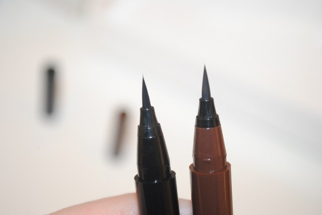 clinique-pretty-easy-liquid-eyelining-pen-review