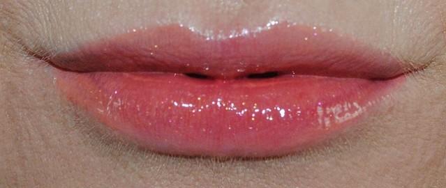 l'oreal-paris-infallible-mega-lip-gloss-swatch-502-xtreme-resist