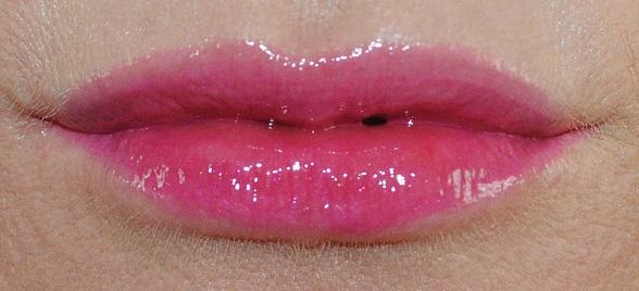 l'oreal-paris-infallible-mega-lip-gloss-swatch-504-xtreme-resist
