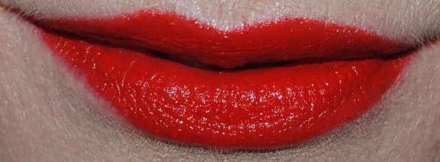 max-factor-lipfinity-long-lasting-lipstick-swatch-30-forever-strong