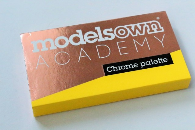 models-own-chrome-eyeshadow-palette-review-swatches