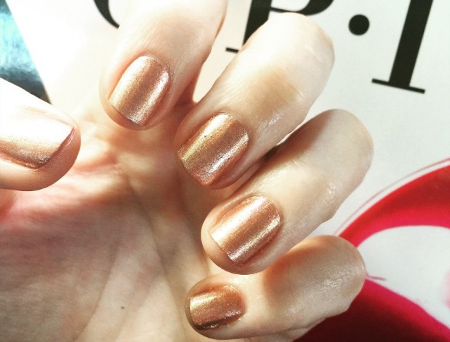 opi-venice-2015-worth-a-pretty-penne-swatch