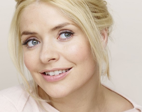 simple-micellar-wipes-holly-willoughby
