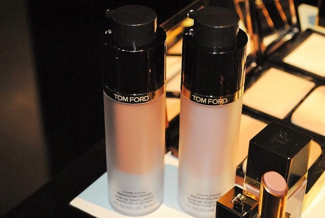 tom-ford-complexion-enhancing-primer-review-swatches