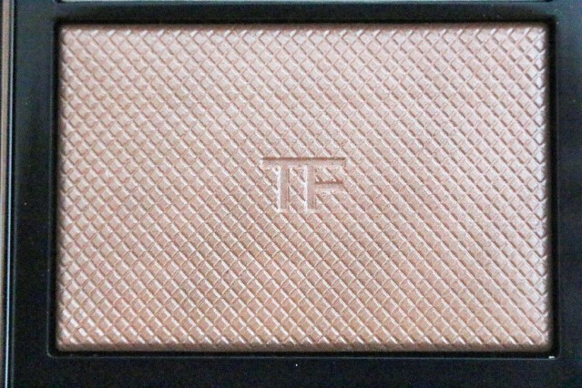 tom-ford-skin-illuminating-powder-duo-moodlight-review-2