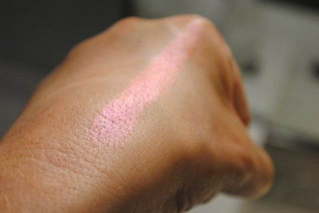 topshop-beauty-festival-glow-dome-swatch