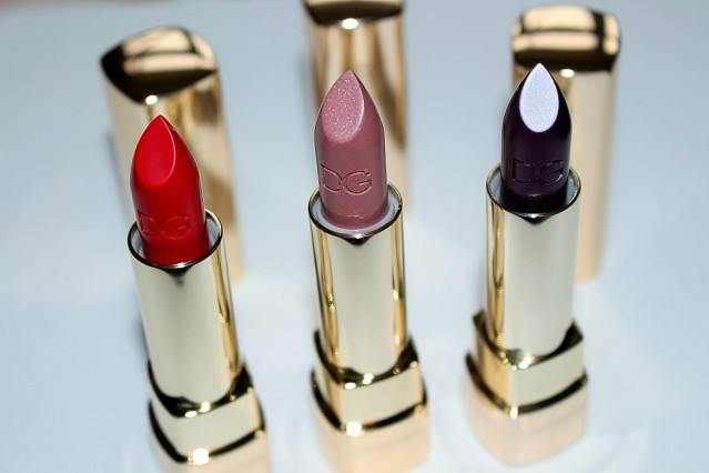 dolce-and-gabbana-fall-2015-makeup-lipstick-review-2
