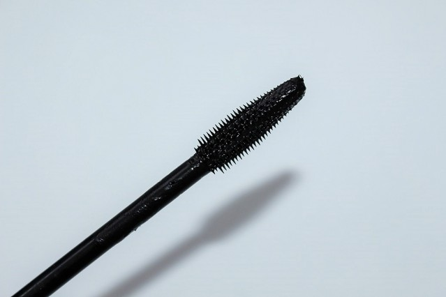 lancome-hypnose-volume-a-porter-review-brush