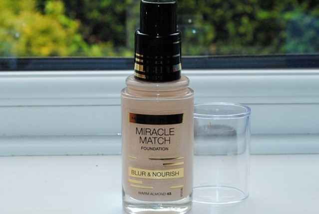 max-factor-miracle-match-foundation-review