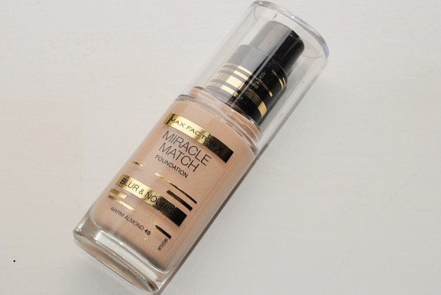 max-factor-miracle-match-foundation-review-swatches
