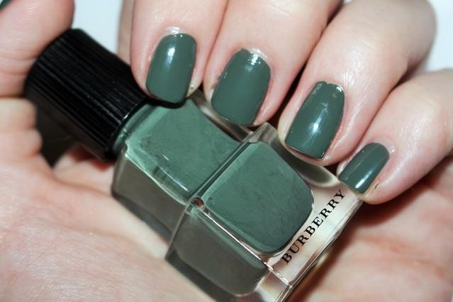 burberry-autumn-winter-2015-nail-swatch-khaki-green-205