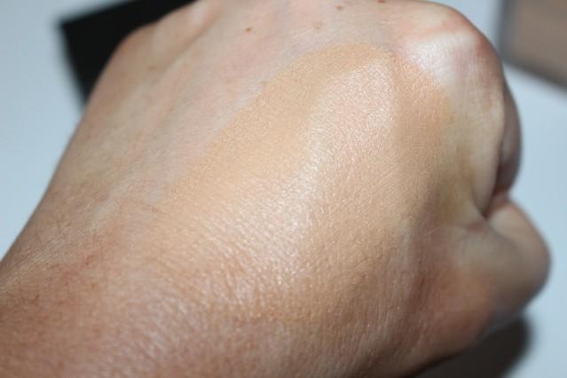 burberry-cashmere-foundation-swatch-beige-26