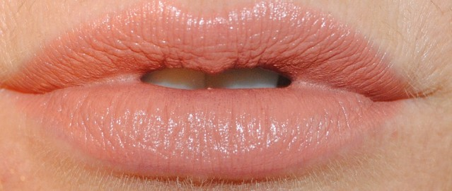 ciate-olivia-palermo-fall-2015-lipstick-swatch-truffle