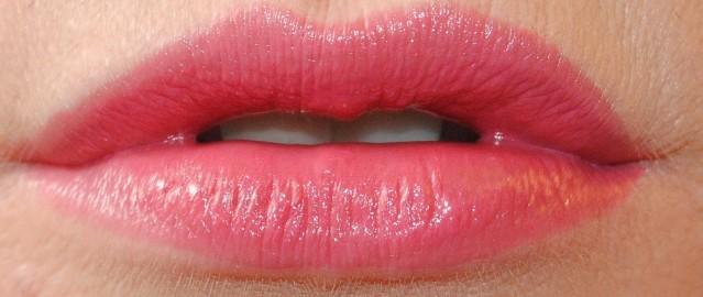 clarins-joli-rouge-swatch-723-raspberry