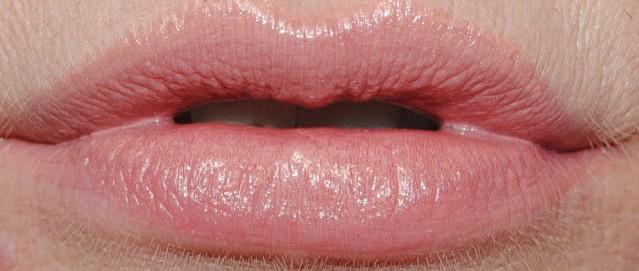 clarins-joli-rouge-swatch-745-pink-praline