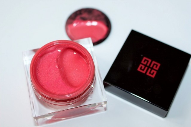 givenchy-vinyl-collection-blush-memoire-de-forme-2-rose-delicat-review