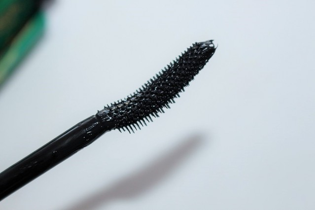 l'oreal-volume-million-lashes-feline-mascara-review-2