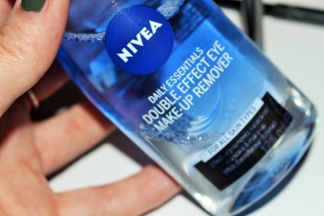 nivea-double-effect-eye-makeup-remover-review-2