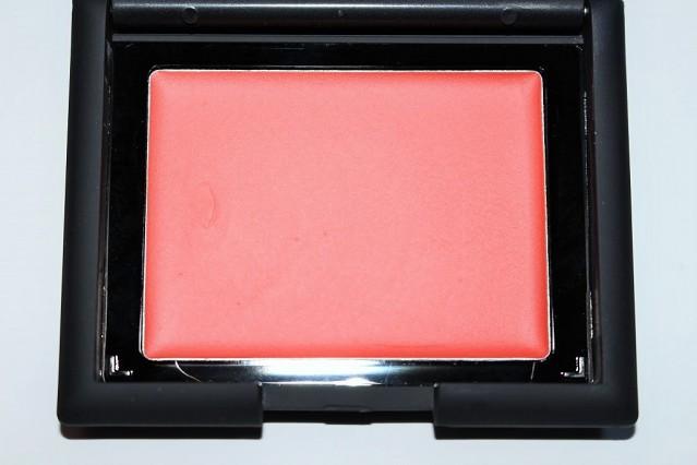 sleek-creme-to-powder-blush-review-gerbera
