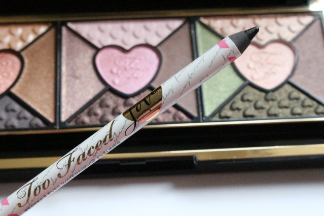too-faced-love-palette-review-eyeliner