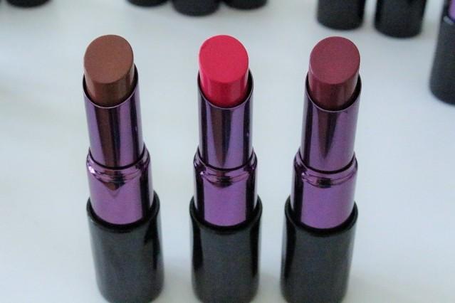 urban-decay-matte-revolution-lipstick-swatches-menace-1993-afterdark