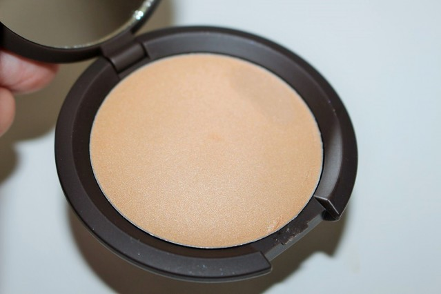 becca-shimmering-skin-perfector-poured-review-moonstone