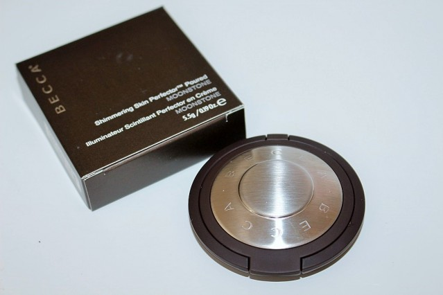 becca-shimmering-skin-perfector-poured-review-swatch