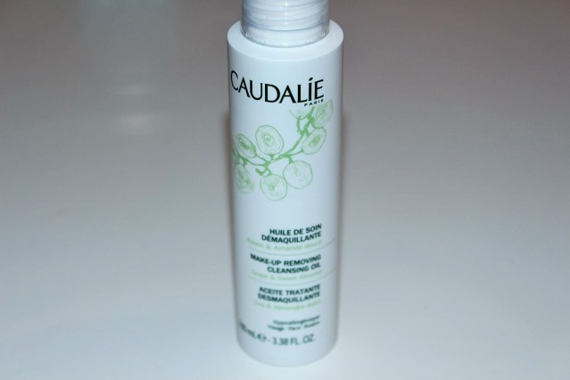 caudalie-makeup-removing-cleansing-oil-review
