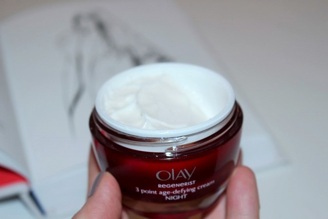 how-to-sleep-olay-regenerist-3-point-age-defying-night-cream-4