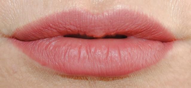 mac-pro-longwear-lip-pencil-in-control-in-control-swatch-2