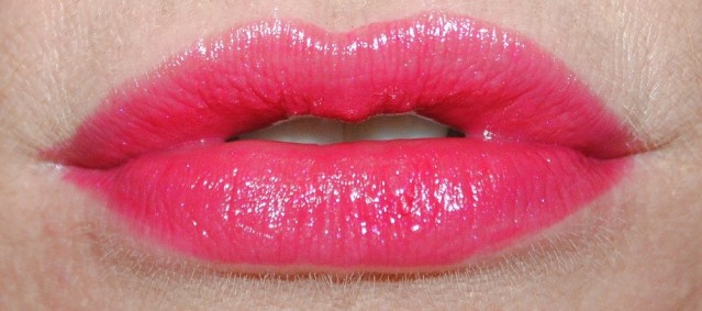 new-dior-addict-lipstick-review-swatch-be-dior