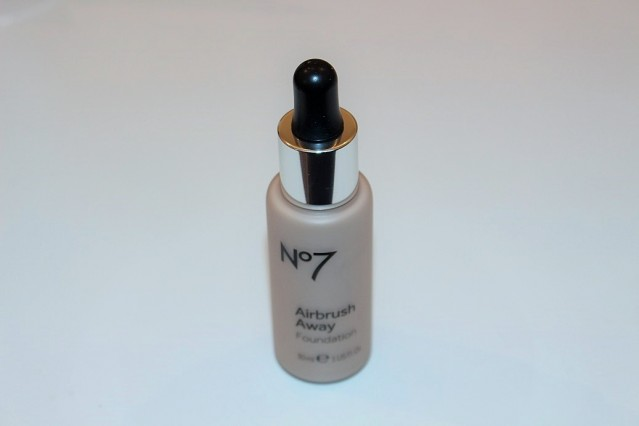 no7-airbrush-away-foundation-review-swatch