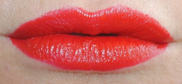 rimmel-the-only-1-lipstick-swatches-500-revolution-red