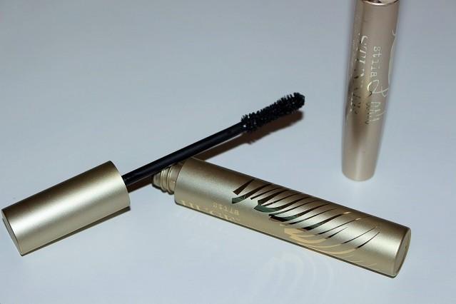 stila-huge-extreme-lash-mascara-lash-stunner-primer-review-4