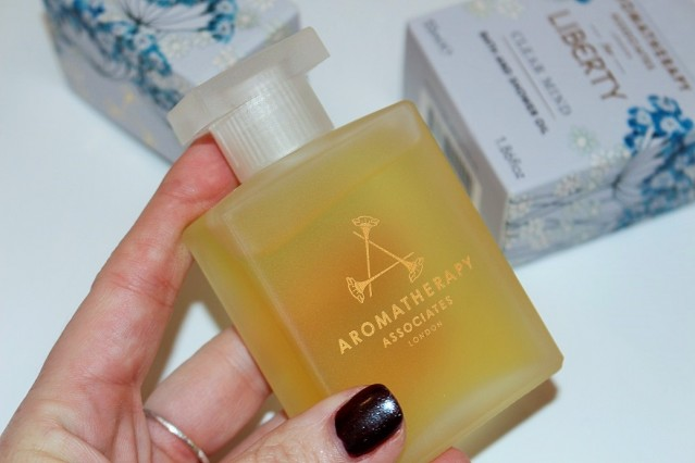 aromatherapy-associates-liberty-clear-mind-bath-shower-oil-review-3