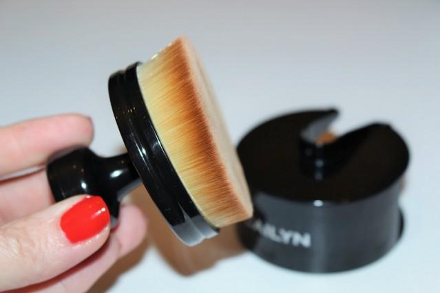 cailyn-cosmetics-o-circle-brush-review-4